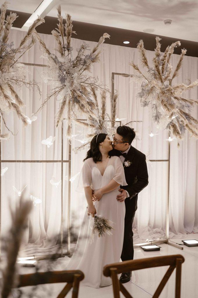 Joshua & Vania Wedding at Mercure Hotel Jakarta by AKSA Creative - 044