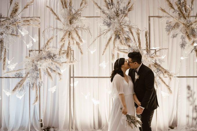 Joshua & Vania Wedding at Mercure Hotel Jakarta by AKSA Creative - 045