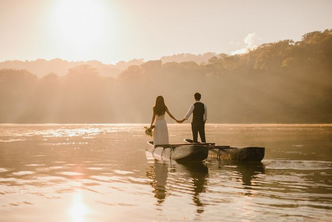 two days prewedding in bali by Maxtu Photography - 001