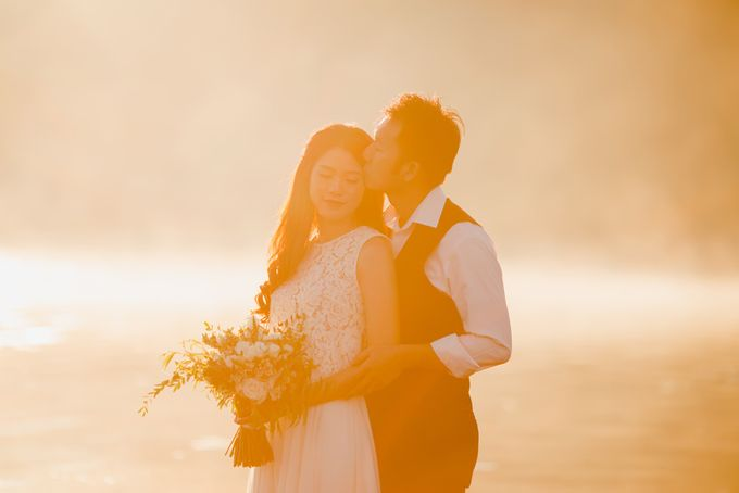 two days prewedding in bali by Maxtu Photography - 002