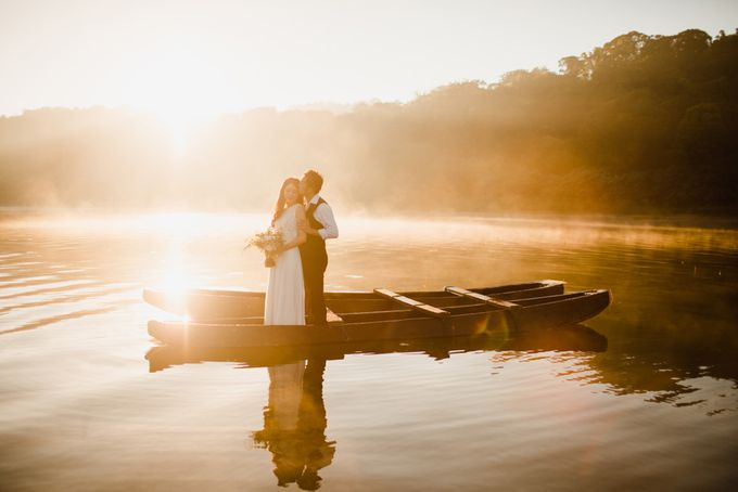 two days prewedding in bali by Maxtu Photography - 003