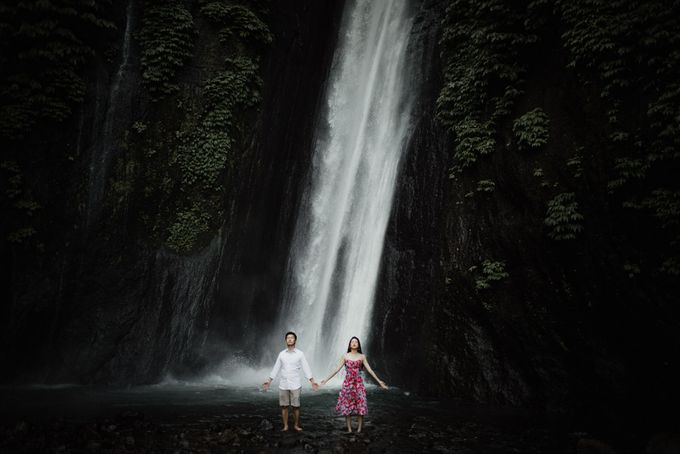 two days prewedding in bali by Maxtu Photography - 006