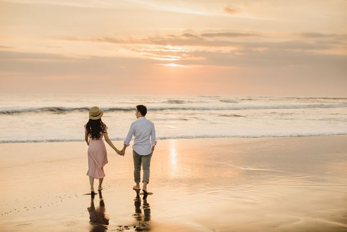two days prewedding in bali by Maxtu Photography - 011