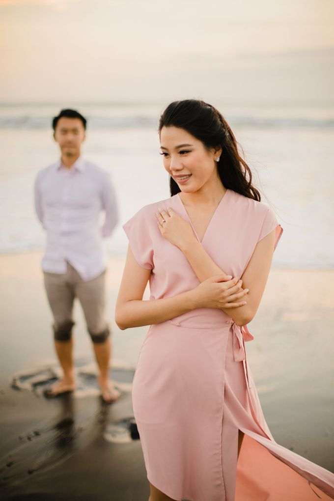 two days prewedding in bali by Maxtu Photography - 014