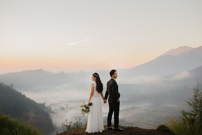 two days prewedding in bali by Maxtu Photography - 020
