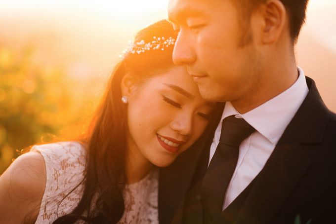 two days prewedding in bali by Maxtu Photography - 021