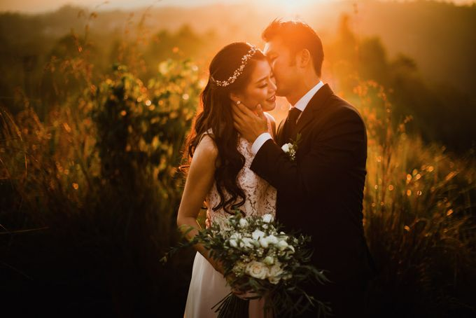 two days prewedding in bali by Maxtu Photography - 022