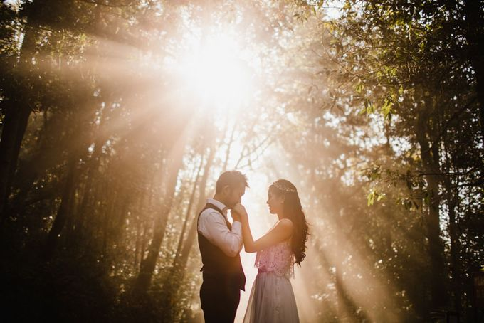 two days prewedding in bali by Maxtu Photography - 028