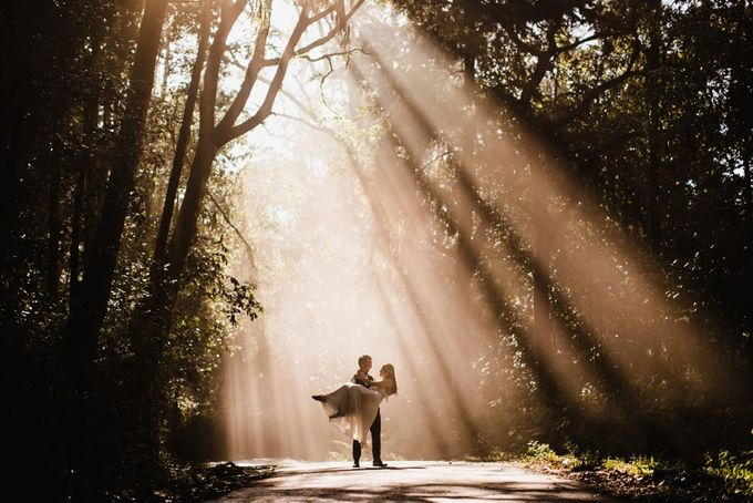 two days prewedding in bali by Maxtu Photography - 030