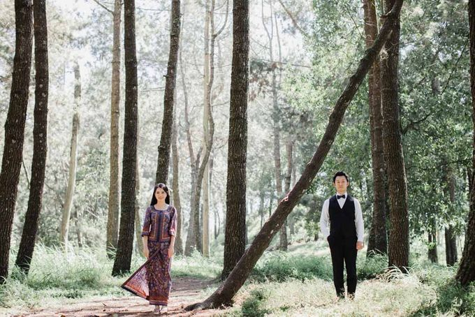 two days prewedding in bali by Maxtu Photography - 034