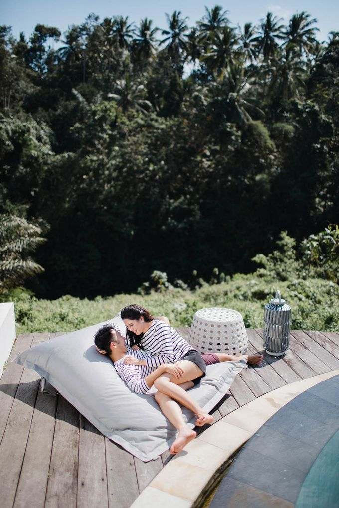 two days prewedding in bali by Maxtu Photography - 039