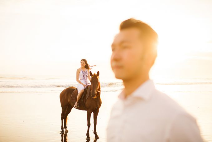two days prewedding in bali by Maxtu Photography - 046
