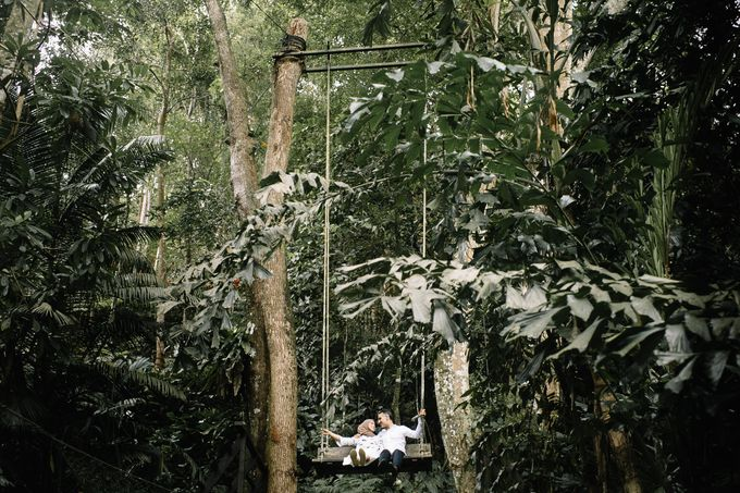 Tropical forest elopement by Amelia Soo photography - 002