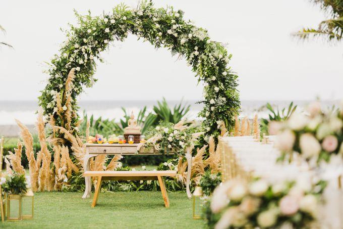 Ian & Farra Intimate Beach Villa Wedding by Vilia Wedding Planner - 021