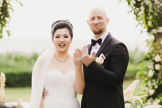 Ian & Farra Intimate Beach Villa Wedding by Vilia Wedding Planner - 026