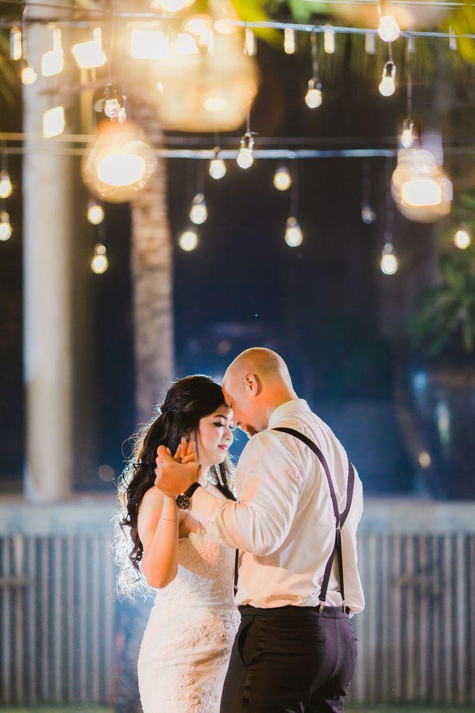 Ian & Farra Intimate Beach Villa Wedding by Vilia Wedding Planner - 039