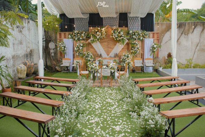 The Wedding of Dila & Imam di Villa Vii by Decor Everywhere - 002