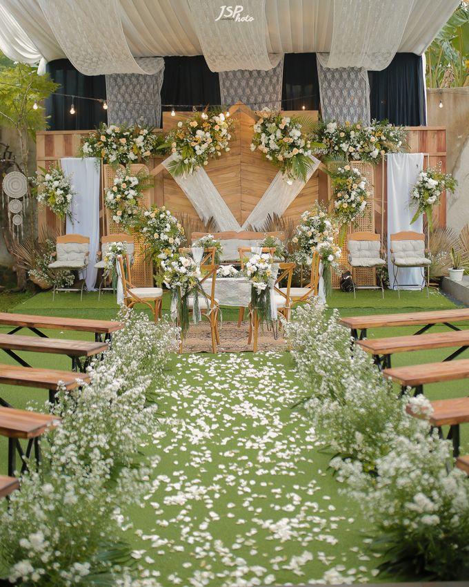 The Wedding of Dila & Imam di Villa Vii by Decor Everywhere - 003