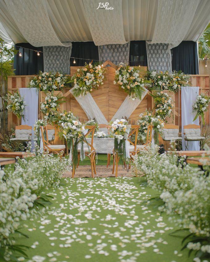 The Wedding of Dila & Imam di Villa Vii by Decor Everywhere - 009
