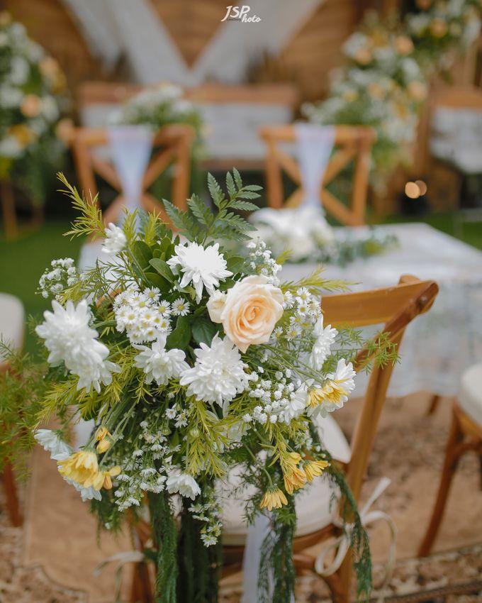 The Wedding of Dila & Imam di Villa Vii by Decor Everywhere - 016
