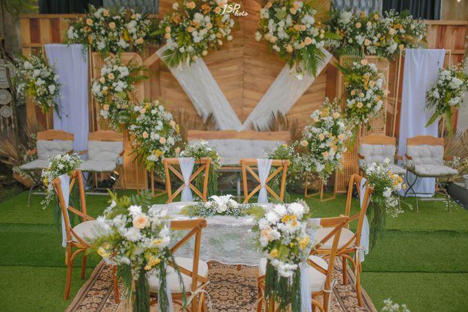 The Wedding of Dila & Imam di Villa Vii by Decor Everywhere - 017