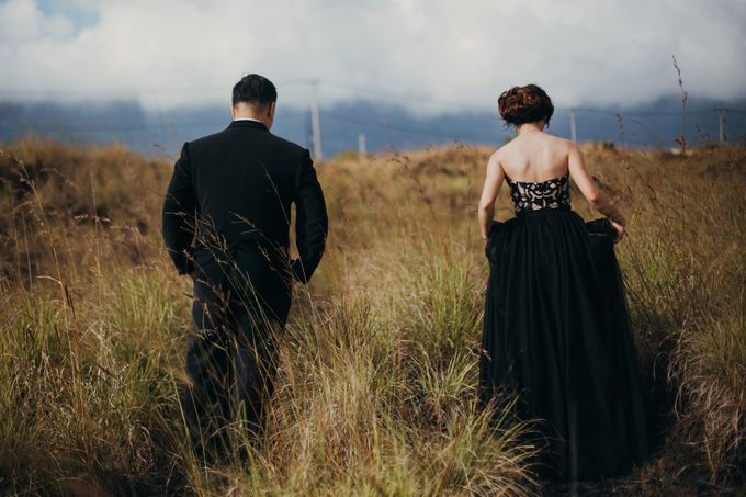 Graceful Beach and Mountain Prewedding in Bali by Fiume dress rental & collection - 047