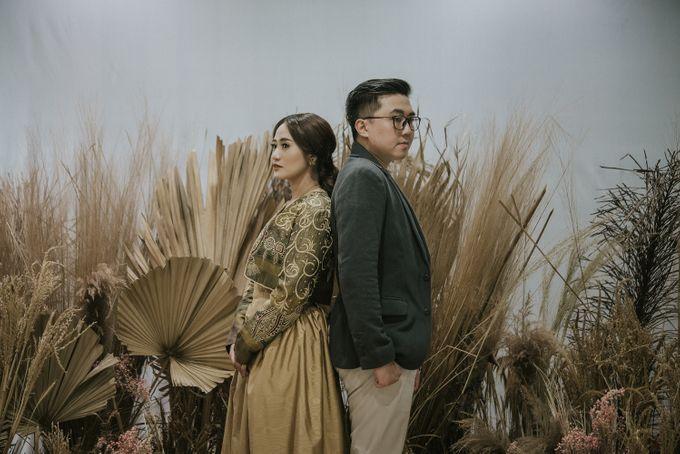 The Prewedding of Andari & Fath at Wildflower Studio by Warna Project - 014