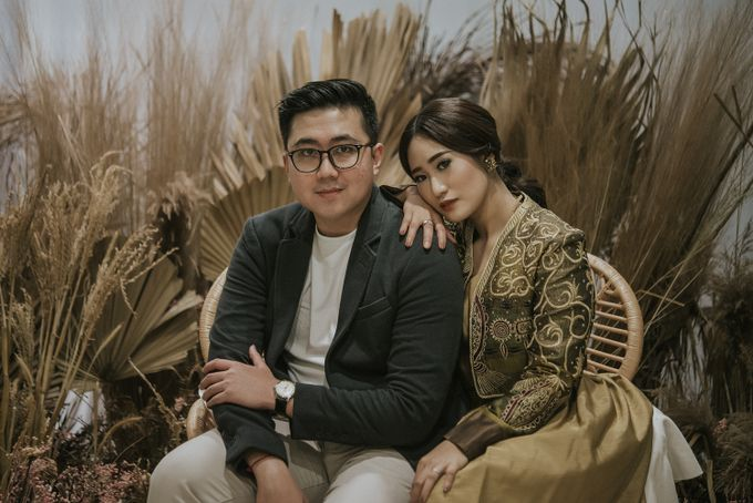 The Prewedding of Andari & Fath at Wildflower Studio by Warna Project - 011