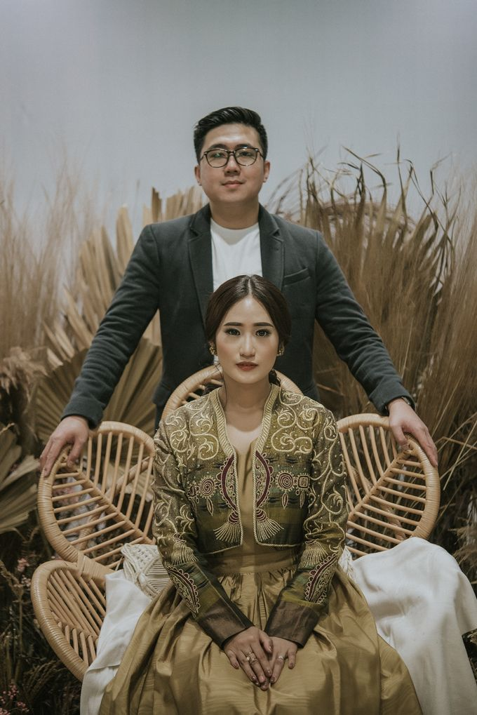 The Prewedding of Andari & Fath at Wildflower Studio by Warna Project - 010