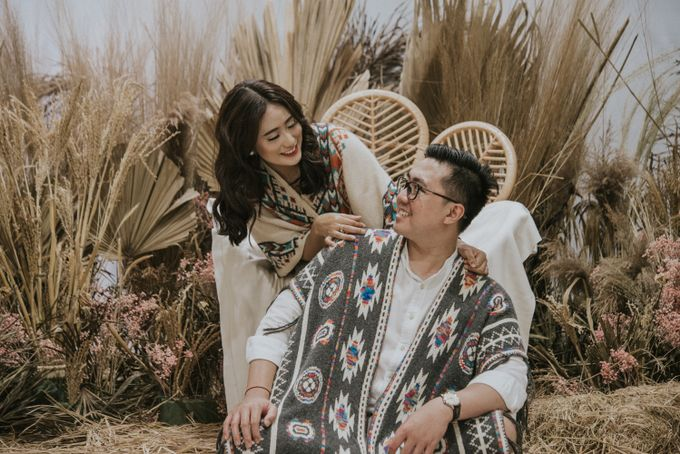 The Prewedding of Andari & Fath at Wildflower Studio by Warna Project - 005