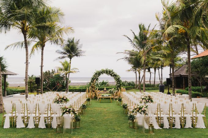 Ian & Farra Intimate Beach Villa Wedding by Vilia Wedding Planner - 020