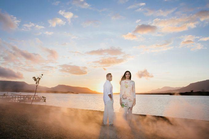 Milka & Ray Pre-Wedding Portrait by JAYSU Weddings by Jacky Suharto - 001