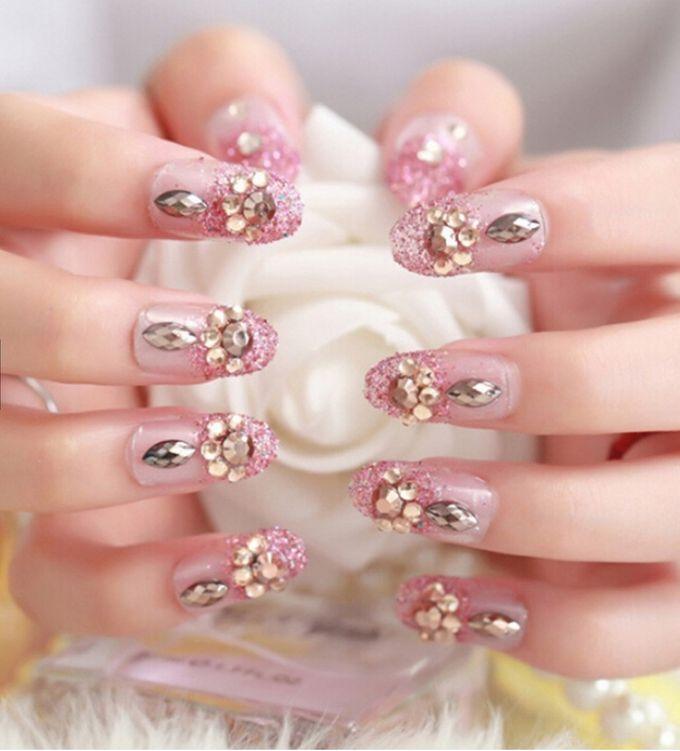 nail art- 24 pcs kuku palsu dengan warna pink dengan motif permata yang unik by Triwindu shop - 001