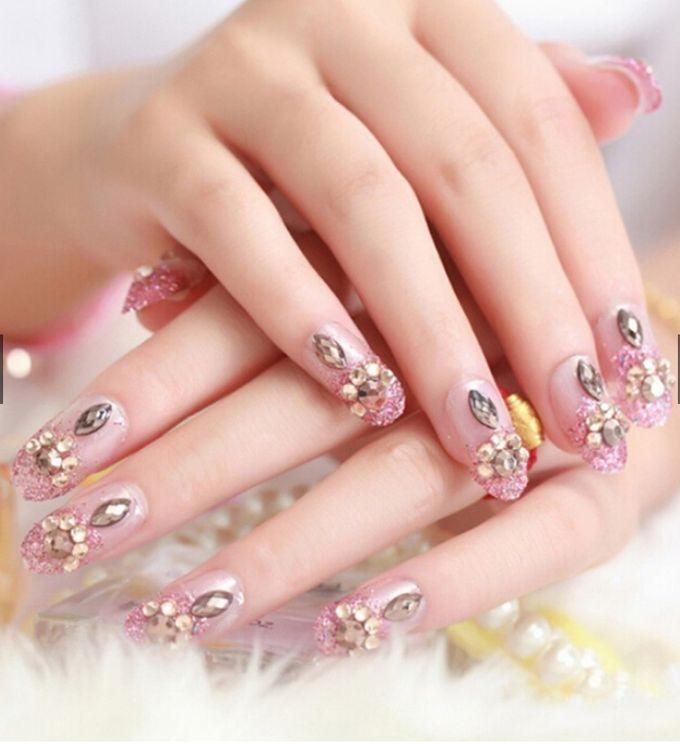 nail art- 24 pcs kuku palsu dengan warna pink dengan motif permata yang unik by Triwindu shop - 002