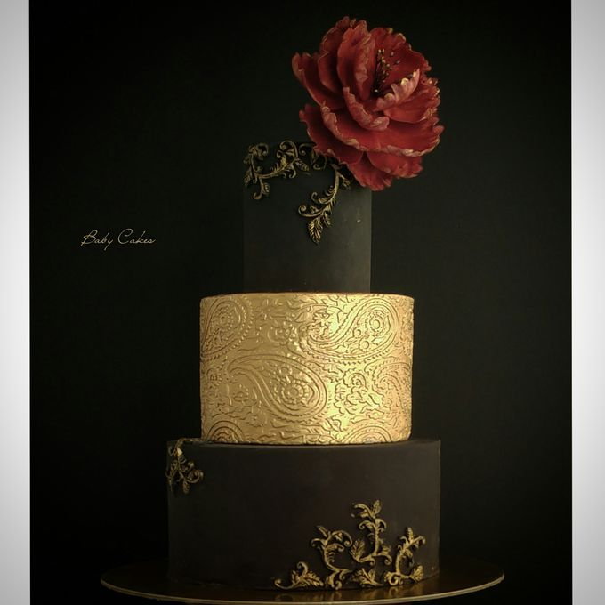 Single tier and multi tiered cakes by Baby Cakes - 035