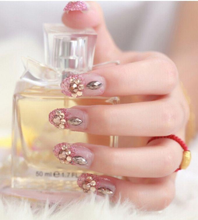 nail art- 24 pcs kuku palsu dengan warna pink dengan motif permata yang unik by Triwindu shop - 005