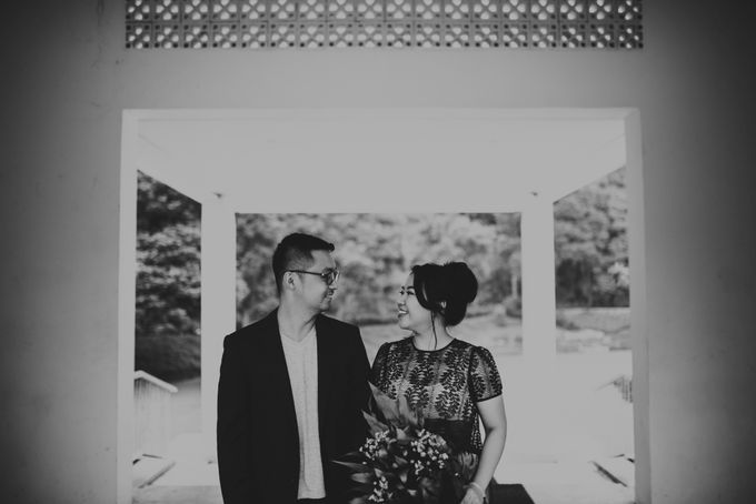 Karlina & Ariyanto Engagement Session by ATIPATTRA - 017