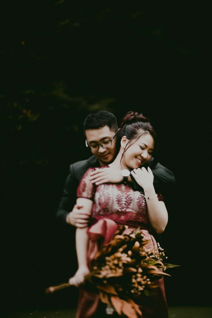 Karlina & Ariyanto Engagement Session by ATIPATTRA - 028