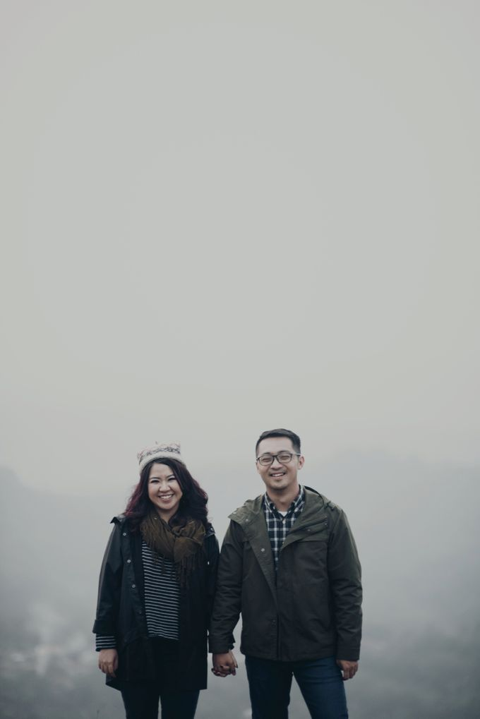 Karlina & Ariyanto Engagement Session by ATIPATTRA - 049