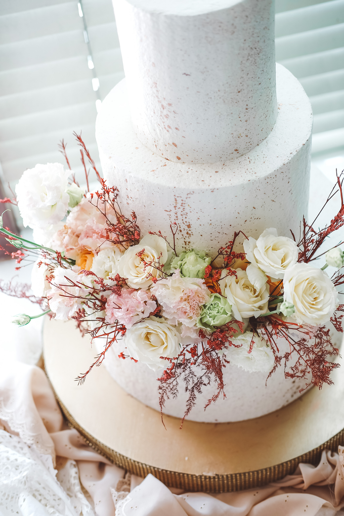 The Wedding of Indra & Angelica by KAIA Cakes & Co. - 004