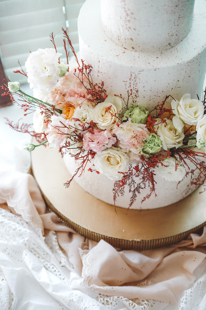 The Wedding of Indra & Angelica by KAIA Cakes & Co. - 008