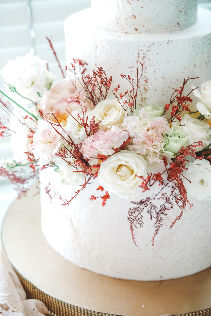 The Wedding of Indra & Angelica by KAIA Cakes & Co. - 009