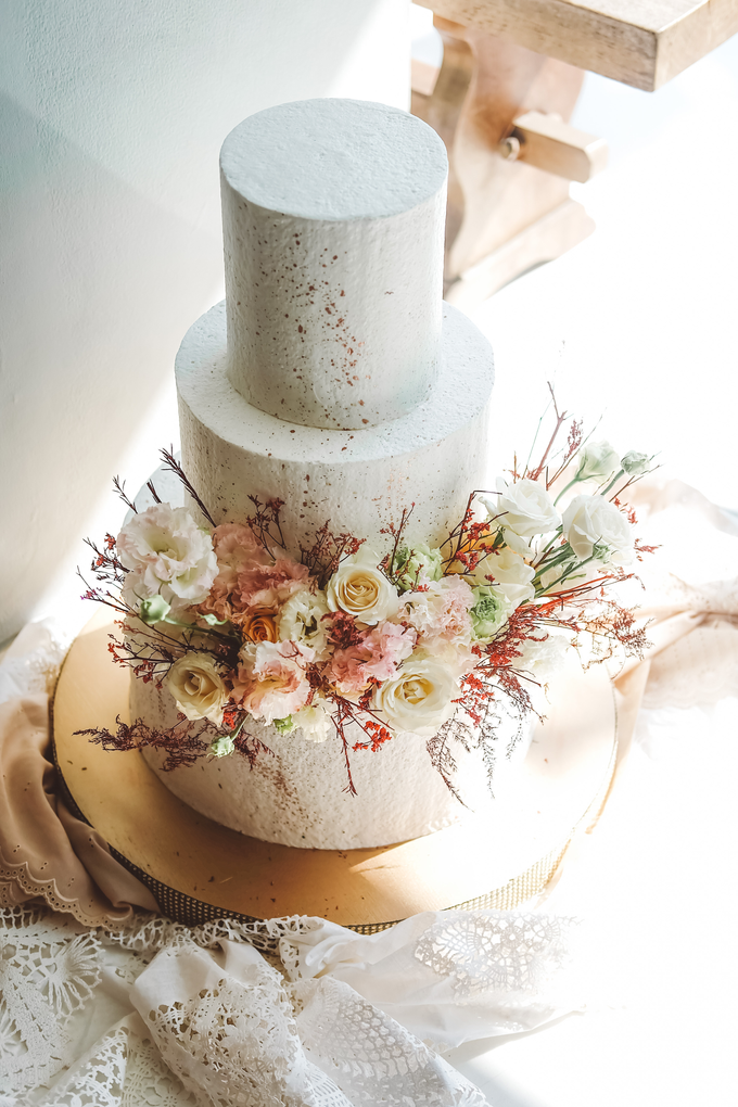 The Wedding of Indra & Angelica by KAIA Cakes & Co. - 013