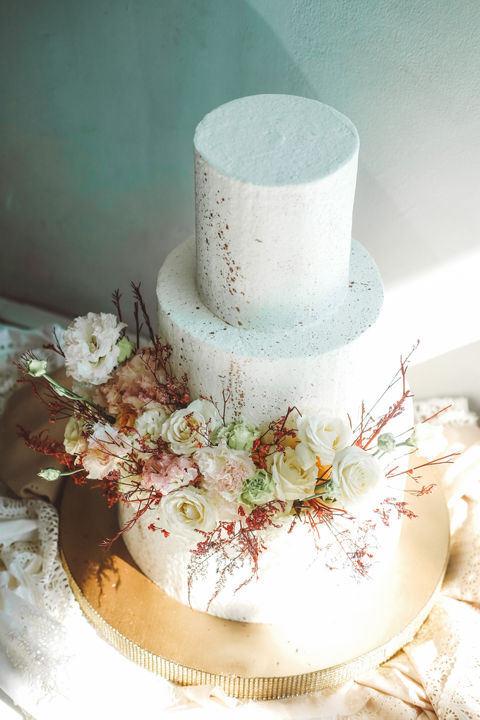 The Wedding of Indra & Angelica by KAIA Cakes & Co. - 015