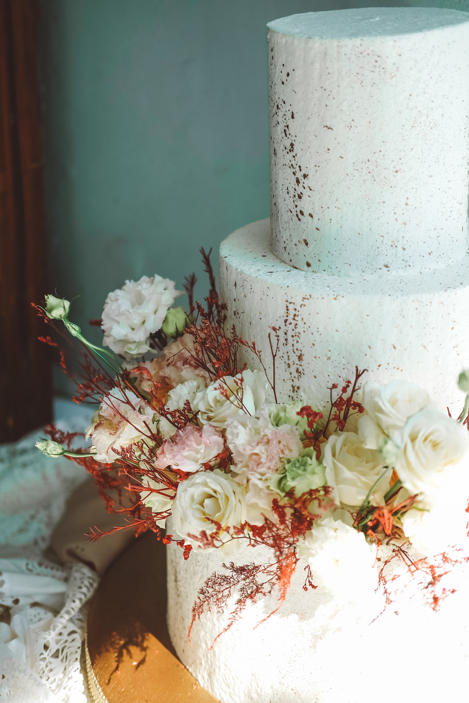 The Wedding of Indra & Angelica by KAIA Cakes & Co. - 016