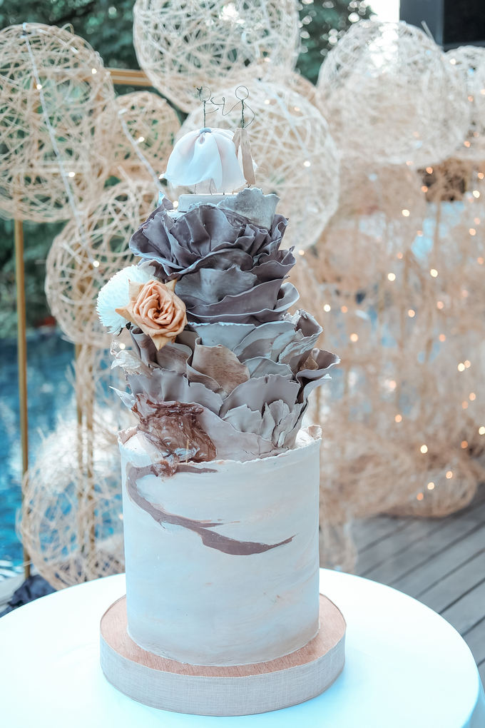 The Wedding of Dian & Galang by KAIA Cakes & Co. - 007