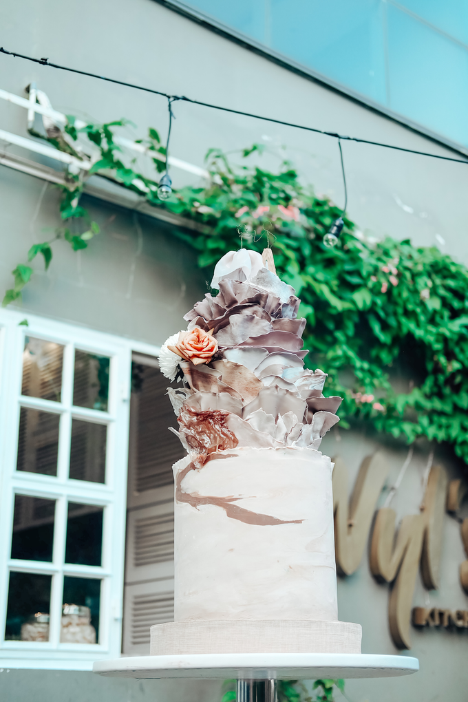 The Wedding of Dian & Galang by KAIA Cakes & Co. - 016