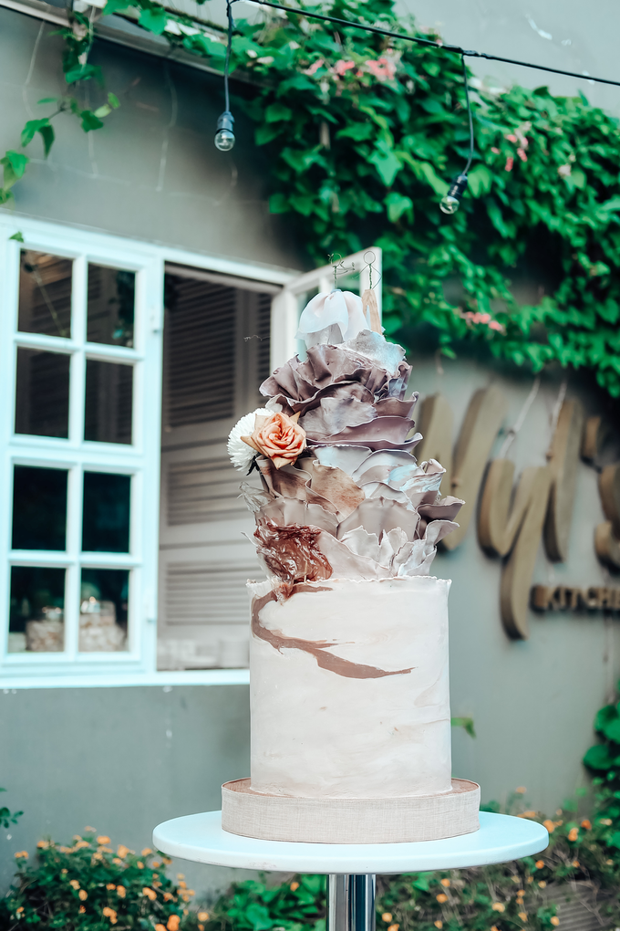 The Wedding of Dian & Galang by KAIA Cakes & Co. - 018