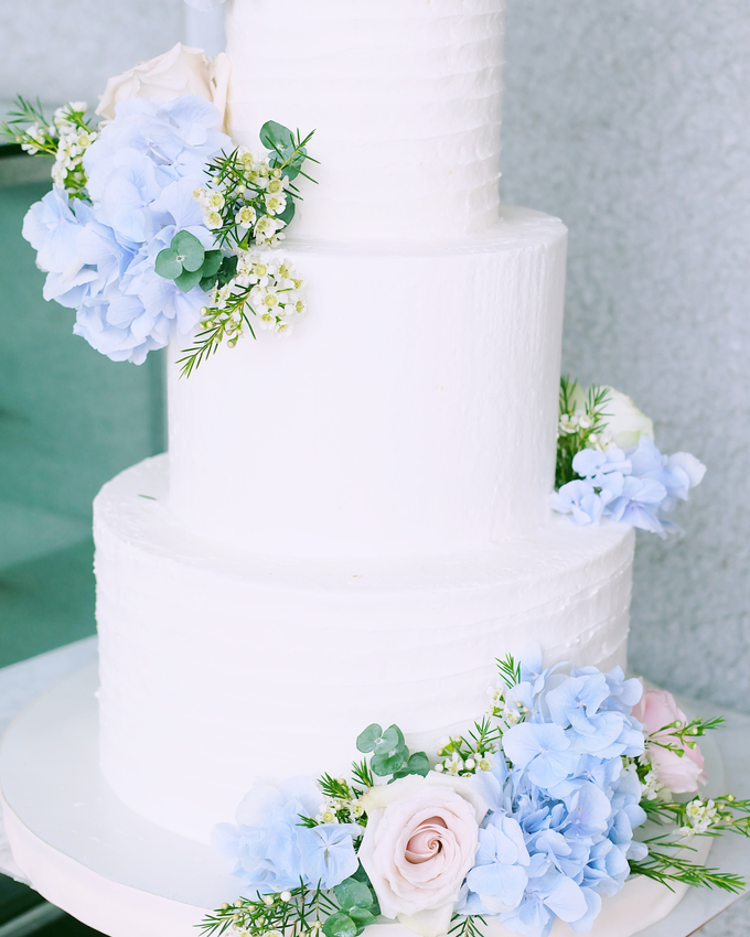 The Wedding of Nicho & Frieska  by KAIA Cakes & Co. - 003