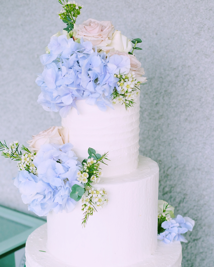 The Wedding of Nicho & Frieska  by KAIA Cakes & Co. - 007